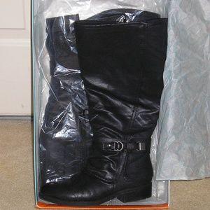 Like New Baretraps Yukie Boots, sz 8 W, wide calf